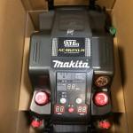 マキタ makita エアコンプレッサ 黒 11L AC462XLHB