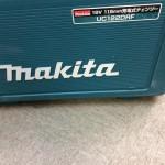 マキタ 充電式チェンソー UC122DRF