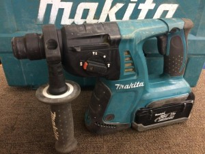 マキタ 充電式ハンマドリル HR261D
