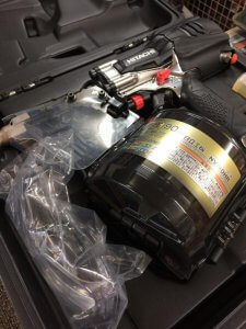 HITACHI 高圧ロール釘打ち機 NV90HR