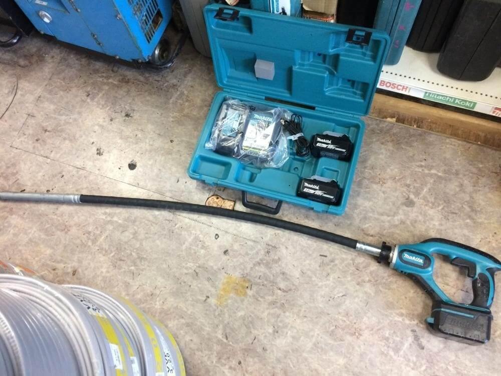 makita 充電式コンクリートバイブレータ VR450DRFX