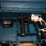 マキタ 16mm充電式ハンマドリル HR165D