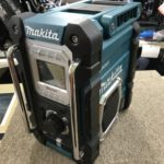 makita 充電式ラジオ MR108